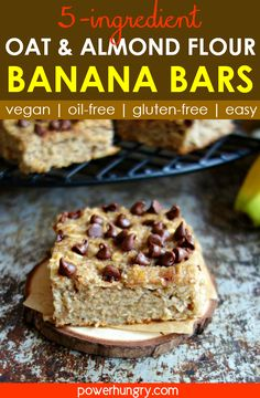 Healthy and delicious oat and almond flour banana bars for breakfast, snacks or dessert! They are vegan, oil-free, gluten-free and added sugar-free (except for the chocolate chips). Only 5 ingredients, too! Banana Oatmeal Bars, Banana Oat Bread, Oatmeal Breakfast Bars, Banana Breakfast, Breakfast Cookies, Breakfast Snacks, Banana Flour, Oat Flour, Coconut Flour