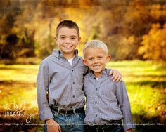 Brothers pose for photography. Fall Pics, Fall Family Photos, Fall Pictures, Couple Photos, Sibling Photography, Autumn Photography, Photography Ideas, Brother Sister Poses, Poses For Pictures