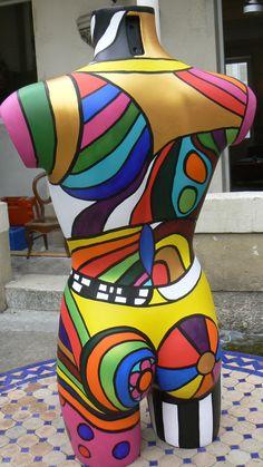 Mannequi'Niki Dress Form Mannequin, Vintage Mannequin, Mannequin Heads, Pop Art, Art Vintage, Art Object, Mosaic Art, Mannequins, Sculpture Art