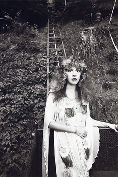 Stevie Nicks in Laurel Canyon, 1981 (photo by Neal Preston) ~ courtesy of crystalline