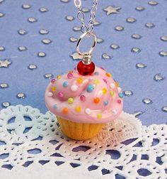 Cupcake necklace!