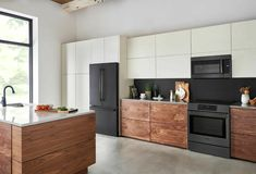 2021 Design Forecast: 16 Top Kitchen Trends Slide In Range, Kitchen New York, Convection Cooking, Counter Depth Refrigerator, Tempered Glass Shelves, Tips & Tricks, Stylish Kitchen, Kitchen Trends, Kitchen Ideas