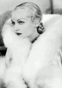 Carole Lombatd