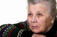 Baixar - Retrato de uma mulher idosa e triste. Idade 70-75 anos — Imagem de Stock #55569989