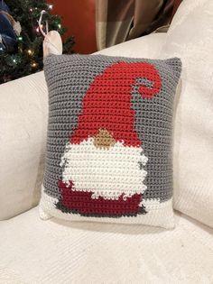 Gnome Pillow, Crochet Gnome Throw, Christmas Gnome Pillow, Winter Crochet Home Decor, Snow Gnome Throw Pillow - GNOME-Kissen häkeln Gnome Dekokissen Weihnachten Gnome Crochet Christmas Gifts, Crochet Christmas Decorations, Christmas Crochet Patterns, Christmas Gnome, Christmas Pillow, Christmas Knitting, Crochet Christmas Blanket, Christmas Yarn, Etsy Christmas