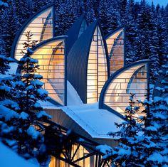 Spa Tschuggen Berg Oase, Arosa, Switzerland (by Mario Botta) Villa Architecture, Beautiful Architecture, Beautiful Buildings, Beautiful Places, Unique Buildings, Organic Architecture, Contemporary Architecture, Carpet Diy, White Carpet