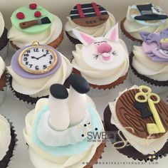 Alice in wonderland Cupcakes www.sweetsecretsdubai.com Alice In Wonderland Cupcakes, Buttercream Cupcakes, Disney Cakes, Ava, Birthday Ideas, Baby Shower, Desserts, Food, Babyshower