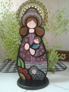 Virgen Divina Pastora Winter Christmas, Christmas Ornaments, Diy Angels, Blessed Mother Mary, Mary And Jesus, Pintura Country, Dot Painting, Religious Art, Paper Dolls