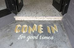 Sign painting by A Friend Of Mine for The Town Mouse