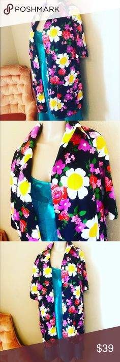 🌼💕🌈💕RETRO FLOWER POWER OUTFIT 💕🌈💕🌼 🌼💕🌼🌈FLOWER POWER OUTFIT, this awesome top is VINTAGE and will take you back to the 60s//70s ✌🏼💕 this out fit comes together and will fit sizes medium or large ✌🏼💕 underneath I paired it with a sleep gown turned to a dress just because there are no rules in my world! This outfit is RARE and one of a kind!!!! Dare to be different 🌈🌼💕🌼 Dresses Midi
