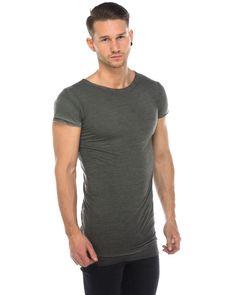 Army of Me T-Shirt Layer-Look Olivegrün  schlichtes T-Shirt von Army of Me im Layer-Look in Olivegrün weicher, dünner Baumwoll-Jersey Rundhalsausschnitt mit Rippstricksaum ungefasste Saumabschlüsse Schmaler, langer Schnitt seitlich geschlitzt