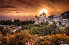 Une vue du Palais Fédéral à Berne. Bon week-end à tous :)