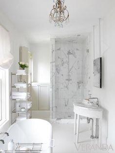 Houston Houses, Best Bathroom Designs, Bathroom Ideas, Creation Deco, White Houses, Beautiful Bathrooms, Glamorous Bathroom, Apartment Design, Interiores Design
