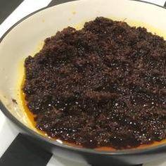 Resep Sambal Hitam (ala bebek madura) oleh Nonche Mima - Cookpad Sambal Sauce, Sambal Recipe, Spicy Dishes, Indonesian Cuisine, Malaysian Food, Love Food, Food To Make, Easy Meals, Food And Drink