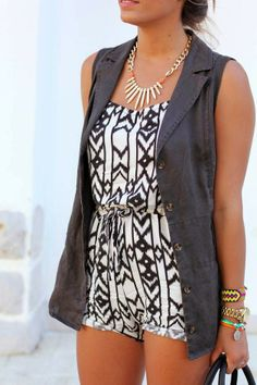 How to Chic: GET THE BLOGGERS LOOK: GEOMETRIC PRINT ROMPER