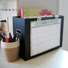 Organizing Ideas ! Organizing tips and useful life hacks to organize life and handle paper clutter - declutter and live clutter free with these frugal hacks and organization ideas.
