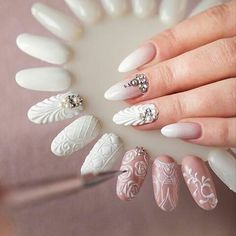 Ornaments on nails Perfect Nails, Gorgeous Nails, Love Nails, Pretty Nails, 3d Nail Art, Rose Nail Art, Nail Nail, Art Nails, Nail Arts