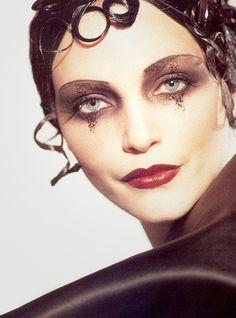 Nadja Auermann, John Galliano F/W 1995 | vintage #makeup #20s makeup