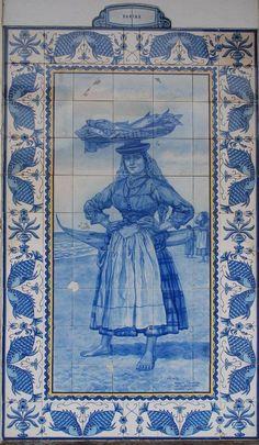 Portuguese Culture, Portuguese Tiles, Tile Art, Mosaic Tiles, Spanish Artists, Blue Tiles, Iron Work, Blue China, Delft