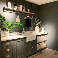Utility room design. Kitchen design. My Deco Marketing on Instagram #interiordesign #interiors #mydecomarketing Interior Blogs, Luxury Interior Design, Interior Design Inspiration, Interior Decorating, Utility Room Designs, Kitchen On A Budget, Kitchen Ideas, Beach Kitchens, Modern Kitchen Design