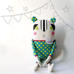 Laura Contemori - L'aggeggio 03 - Handmade in Italy  http://www.etsy.com/listing/63121088/laggeggio-03-handmade-in-italy
