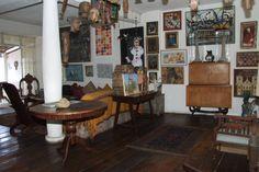 Reconhecido pelo Ministério da Cultura como Casa-Museu , o Solar Santo Antônio  é composto por dois imóveis. O primeiro (177) data dos meare...
