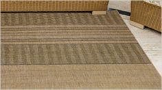 Os tapetes em estilo sisal são complementos decorativos que levam charme para qualquer espaço do lar.