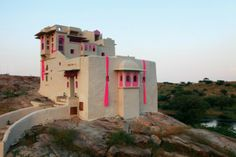 Accent Colors Uniquely Employed at Lakshman Sagar Resort | materialicious