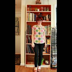 Check out my super fun Viewmaster top I made with #newlook6217 ! Took me only 2 hours to cut and sew. #newlookpatterns #simplicitycreativegroup #sewing #cottonandsteel #melodymiller #viewmaster