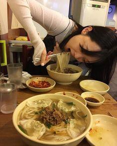 Ulzzang Couple, Ulzzang Girl, Ulzzang Korea, Motif Kimono, Sulli Choi, Japon Tokyo, Asian Recipes, Ethnic Recipes, Korean Couple