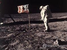 아폴로 11호 달착륙 찍은 카메라 46년만에 공개 | ZOOA-KR