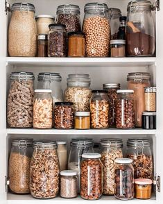 Innovative Ideas for Cooking with Food Scraps - Going Zero W.- Innovative Ideas for Cooking with Food Scraps – Going Zero Waste Innovative Ideas for Cooking with Food Scraps – Going Zero Waste - Kitchen Organization Pantry, Home Organisation, Kitchen Shelves, Kitchen Storage, Organization Ideas, Storage Ideas, Organized Kitchen, Diy Kitchen, Pantry Cabinets