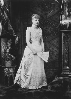 Princess Marie of Edinburgh, future Queen of Romania; Romanian Royal Family, English Dress, Queen Victoria Family, Royal Families Of Europe, Royal Collection Trust, 1890s Fashion, Casa Real, Victorian Women, Victorian Dresses