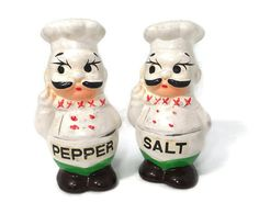 Vintage Chefs Salt and Pepper Shakers, kitchen kitsch, ceramic collectible, Hand Painted, French Chefs