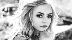 Madilyn Paige: 'Irreplaceable' Single Review #FDRMXmouth #FDRMXreviews