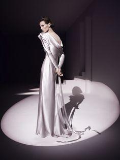 """The Illusionist"" with Saskia de Brauw by Mario Testino for Vogue UK November 2011"