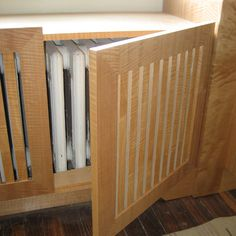 Radiator-Cover Easy access and a window seat Radiator Heater Covers, Custom Radiator Covers, Modern Radiator Cover, Radiator Screen, Home Radiators, Window Benches, Home Furnishings, Diy Furniture, Sweet Home