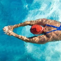 These structured swim workouts are perfect for both beginner swimmers and seasoned mermaids. Find the right swimming workout plan for you and dive right in. #cardio #pool #swimming Best Swimming Workouts, Swim Workouts, Swimming Tips, Bike Workouts, Cycling Workout, Lap Swimming, Swimming Exercises, Boxing Workout, Fitness Workouts