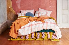 Kip&Co quality Australian bedding. Pure French luxurious flax linen quilt doona cover in rose pink by Kip and Co, affordable luxury textiles for the bedroom and home Home Bedroom, Bedroom Decor, Linen Bedroom, Bedrooms, Bedroom Inspo, Bed Linen, Interior Exterior, Interior Design, Decoration Inspiration