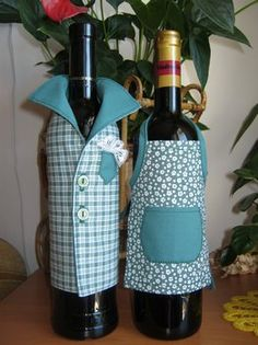 Wine Bottle Covers, Wine Bottle Art, Wine Bottle Crafts, Dish Towel Crafts, Wrapped Wine Bottles, Wedding Wine Bottles, Coin Couture, African Crafts, Wine Craft