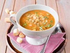 This soup is a delicious vegetable fiesta. We have crammed in onions, garlic, tomatoes, potatoes, beans and more to make a nutritious and filling meal on its own. Easy Vegetable Soup, Smoked Ham, Winter Food, Cheeseburger Chowder, Meals, Vegetables, Ethnic Recipes, Onions, Tomatoes