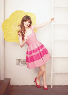 Zooey Deschanel as Jessica Day on New Girl. I bet my mom can make this dress. Zooey Deschanel Style, Zoey Deschanel, Jessica Day, New Girl Outfits, Cute Outfits, Foto Fashion, Girl Fashion, Classy Fashion, Brigitte Bardot