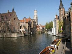 beautiful bruges, absolutely fantastic ~ photograph courtesy of trip advisor. Us Honeymoon Destinations, Best Places To Honeymoon, Around The World In 80 Days, Around The Worlds, Wonderful Places, Beautiful Places, Places Worth Visiting, Next Holiday, Exotic Places