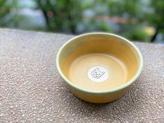 ChillPlanet doggy bowl is now on line for sale, all of them are hand-made by QinChen-design. Neverspill cermic bowl is handcrafted and carefully designed for your lovely dog. Pet Bowls, Tableware, Handmade, Design, Dinnerware, Hand Made, Tablewares, Dishes