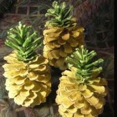 DIY Pineapple Pinecone ornaments!