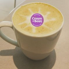 Happy Monday and a brand new week to discover. Start your week with Cream N Bean. #creamnbean #coffee #mondaymotivation