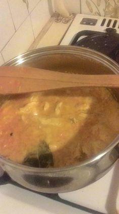 Mikor nem tudod, mit készíts ebédre, próbáld ki ezt a finomságot. Nem kell órákig a konyhában állnod, ha valami finomságot főznél a családnak, ez a recept a rohanós munkanapokon nagyon jól jön. Hozzávalók 1 egész csirkemell, 2 sárgarépa, 3-4 babérlevél, 2 evőkanál étolaj, 2 evőkanál kristálycukor, 4 teáskanál mustár, 1 púpozott evőkanál liszt, 1 kis...Olvasd tovább