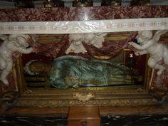 The body of St. Vittoria in Santa Maria della Vittoria. Santa Maria, Rome, World, City, Painting, Holy Mary, Painting Art, Rum, The World