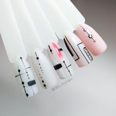 Simple nails - Simple but cute nails 2018 ❤️ Minimal chic nail art 💅 - Chic Nail Art, Chic Nails, Fun Nails, Simple Nail Art Designs, Easy Nail Art, Gelish Nails, Manicure And Pedicure, Dot Nail Art, Geometric Nail