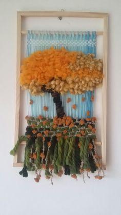 Telar decorativo Tapestry Weaving, Loom Weaving, Purple Dream Catcher, Craft Projects, Projects To Try, Weaving Wall Hanging, Basket Weaving, Fiber Art, Lana